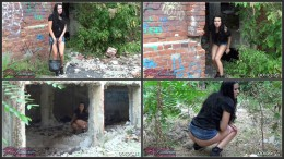 Wildeva harassed while trying to pee in ruins