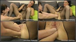Dirtygardengirl & SexySasha lesbian fisting fun