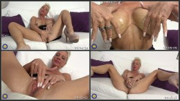 Julia Pink - German hot housewife fingering herself HD