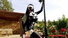 Sister Lucy Garden Chores Pt1 (720)