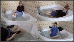 Penny Lee - Wet Schoolgirl (1080)